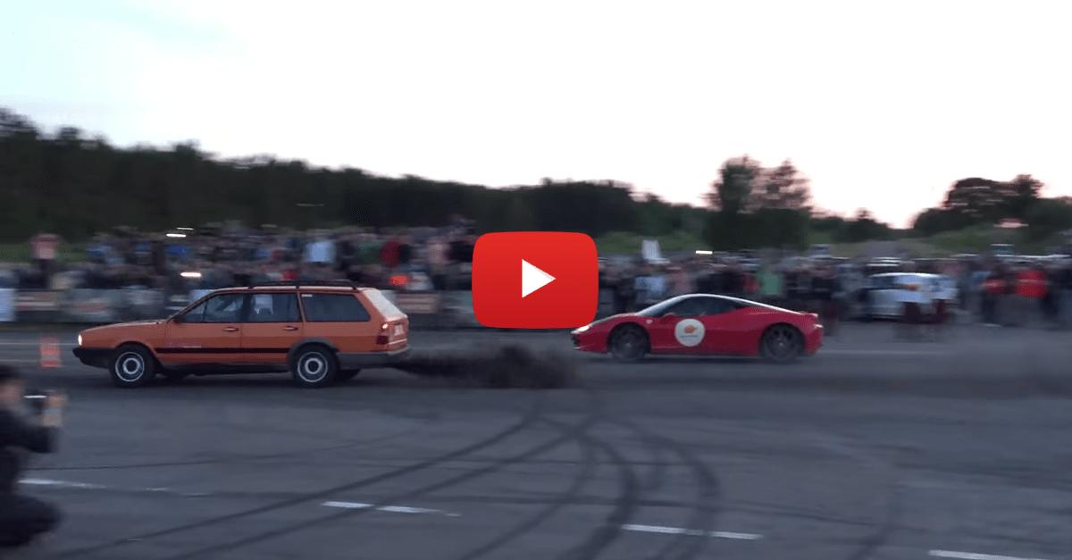 Ferrari 458 Italia vs. Volkswagen Passat (B2)