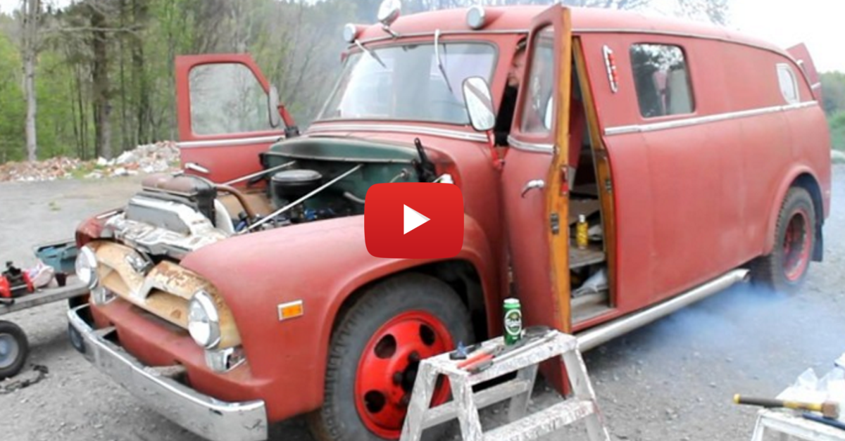 This Ford F500 Starts Like a Boss After 26 Years in a Barn
