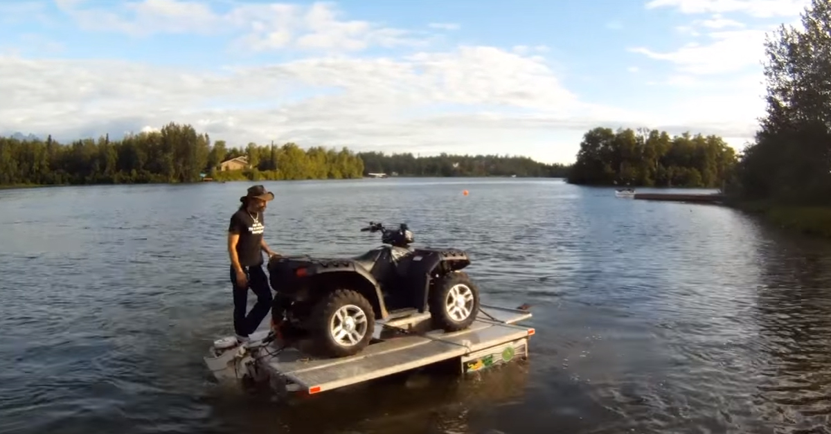 [VIDEO] The Water Bug Trailer/Boat/Camper Is a Must Have!