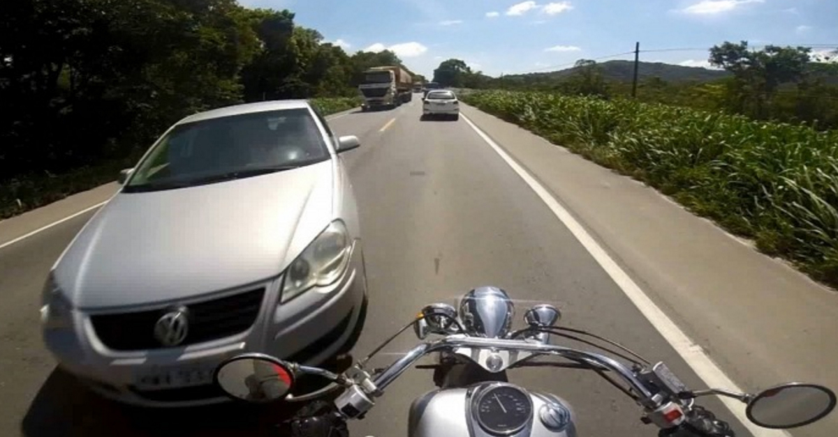[VIDEO] Check Out the Closest Call You Could Ever Have on a Bike