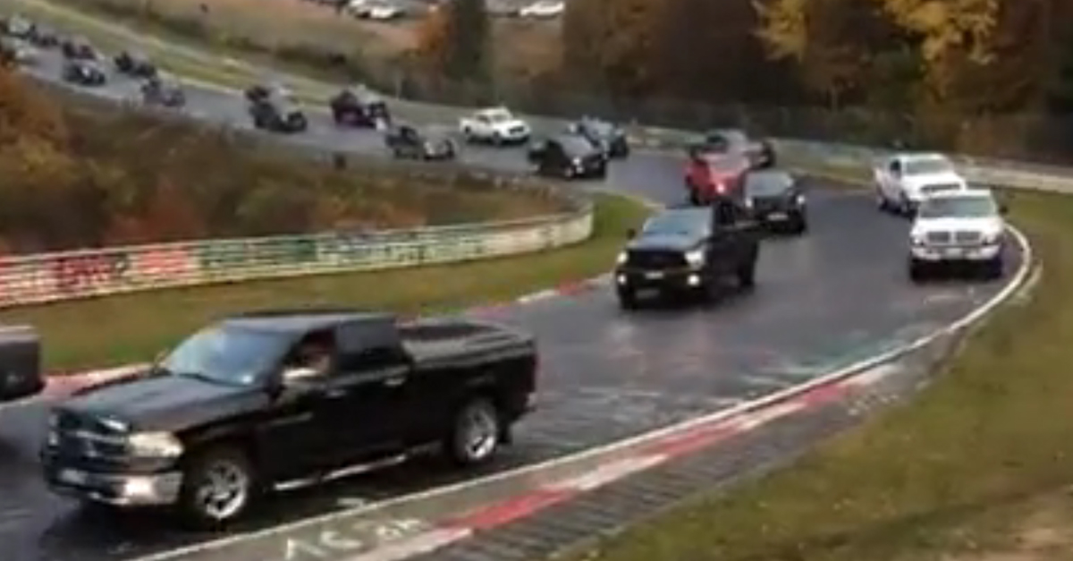 [VIDEO] 1000 RAM Trucks Show Up To Break A Record At Nurburgring