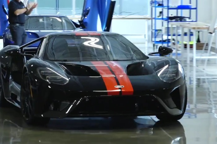 [VIDEO] The First 2017 Ford GT Is Off the Line