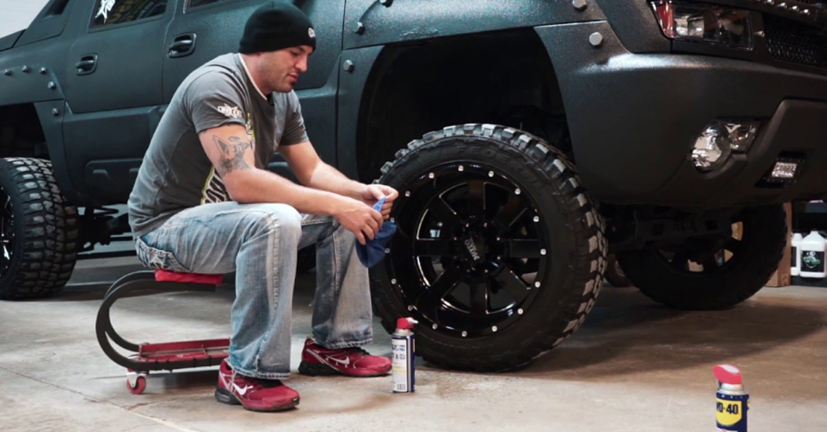 [VIDEO] Is WD-40 The Perfect Winter Wheel Protector?