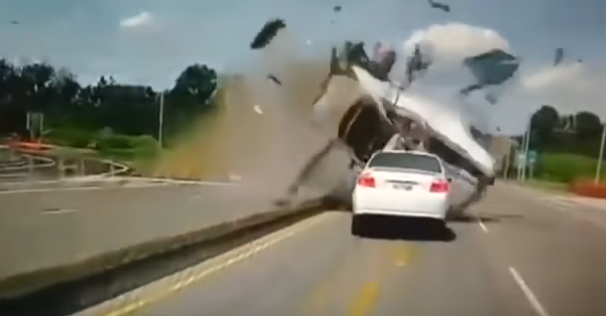 Speeding down off ramp ends in massive crash | Engaging ...