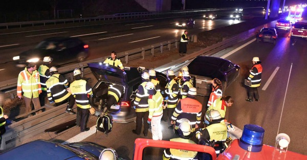 Hero on a German highway caused a wreck to save a stranger's life