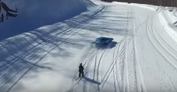 Skiing behind an E30 BMW looks like the coolest thing ever