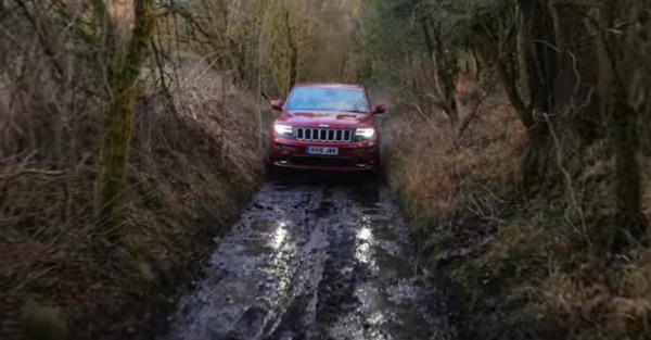 Can the Jeep Grand Cherokee SRT go offroad?