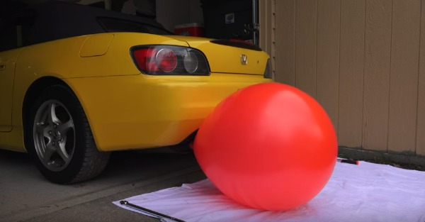 These balloons demonstrate how fast your car can kill you