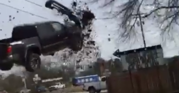 Car chase ends with a Truck going airborne but the landing is even more stunning