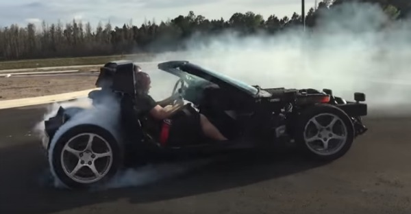 These madmen are building a naked C5 Corvette