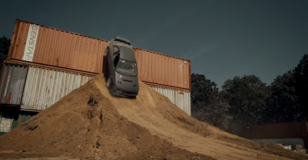 Homemade Gymkhana stars a stripped Impreza RS and a whole lot of skill