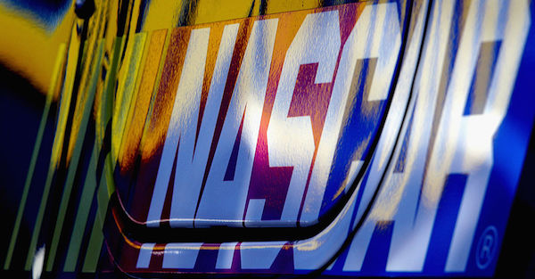 Former NASCAR driver files lawsuit against the police