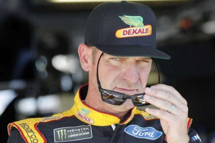 """Clint Bowyer Says F1 Cars """"Look More Like Spaceships Than Race Cars"""""""