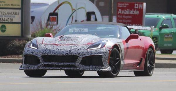 Corvette ZR1 test mule shows off its curves in rare public appearance