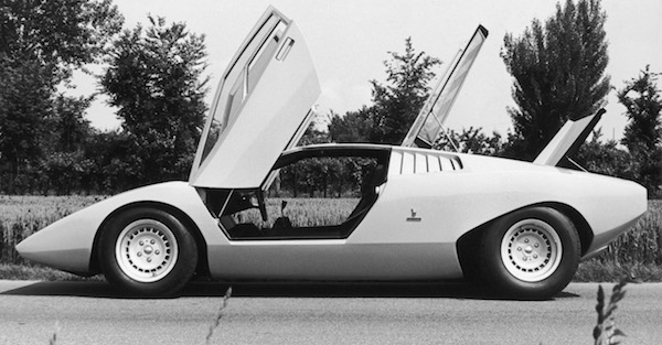 The story of a man leveraging his VW Golf into a day in a Lamborghini Countach