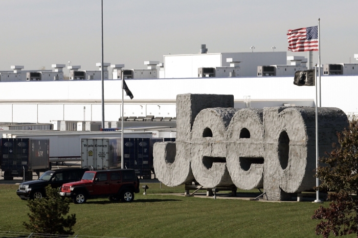 Car manufacturer has to recall nearly a half million vehicles over safety issue