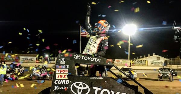 Kyle Larson narrowly loses to a NASCAR champion at the Turkey Night Grand Prix