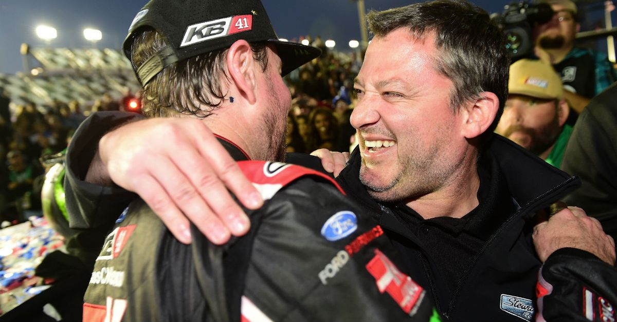 There a reported huge hang up preventing Kurt Busch from resigning with SHR