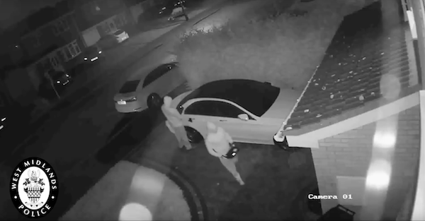 Watch how thieves use clever tech to steal a Mercedes in less than a minute