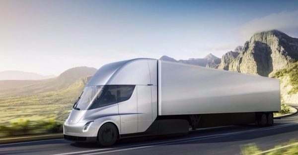 At Least One Truck Driver Was Unimpressed by Tesla's Semi