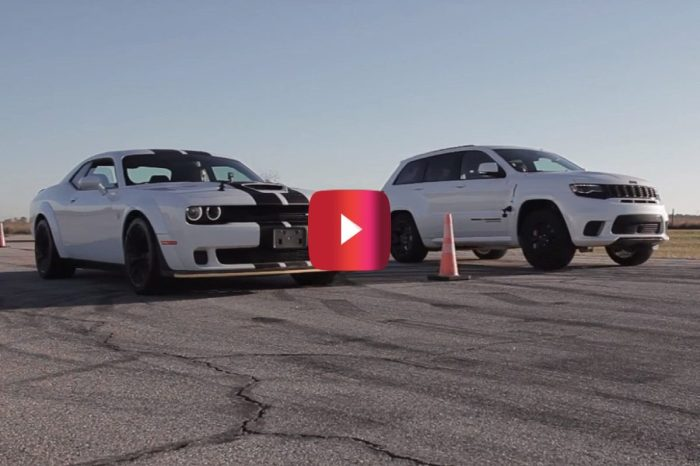 Challenger Hellcat Widebody vs. Grand Cherokee Trackhawk in Drag Race