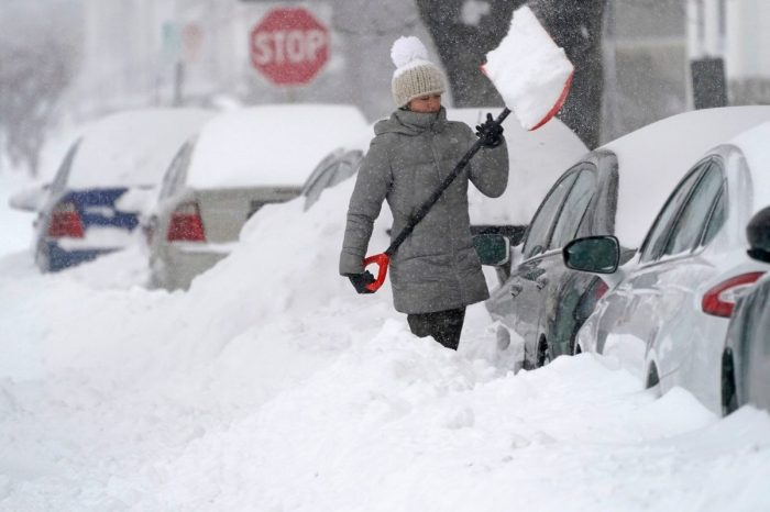How to Get Your Car Unstuck From Snow, According to a Maintenance Pro