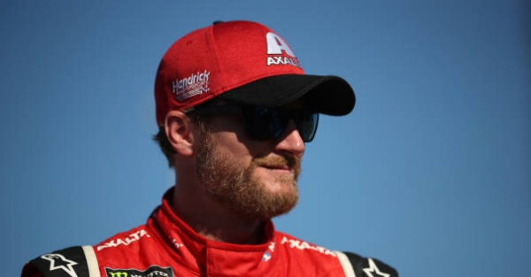 Dale Jr. shows he's everyman with one tweet