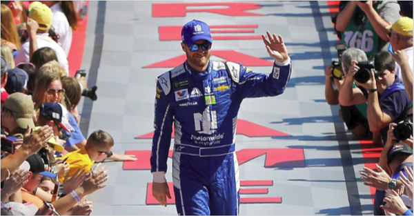 Dale Jr's goodbye — and one, big embrace — are among the most touching moments of 2017
