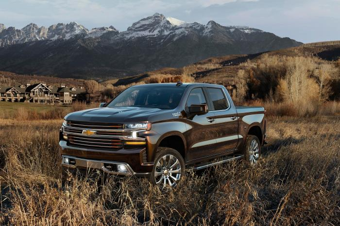 GM officially unveils the new Silverado, and it's a beast