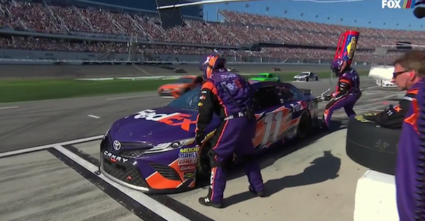 Daytona leader gets a costly penalty after a big pit mistake