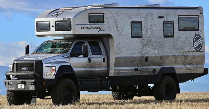 This $1.5 Million Earthroamer Camper Combines Luxury with the Great Outdoors