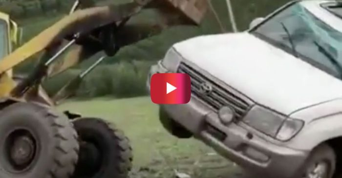 Tractor Uprights Rolled-over Land Cruiser, but There's One Small Problem