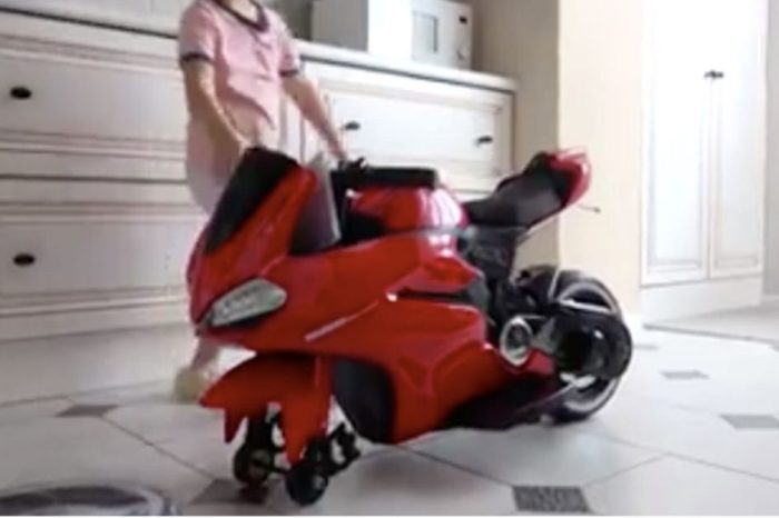 This Mini Ducati Bike Is the Ultimate Kid's Toy