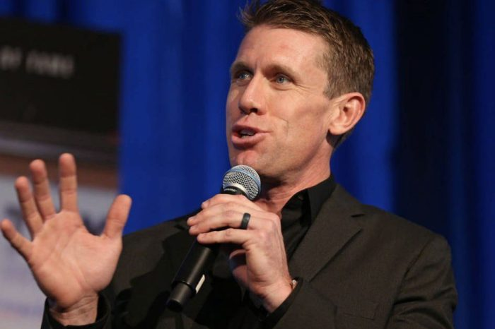 Carl Edwards Open up About Retirement and Why He Doesn't Follow NASCAR
