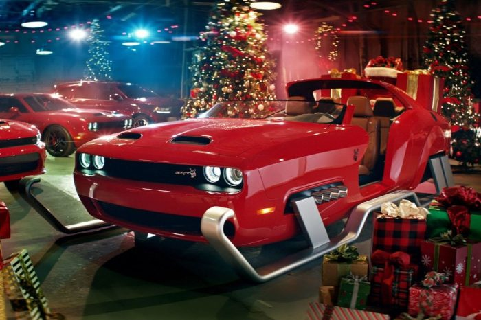 Dodge Built a Ridiculously Souped-Up Challenger Hellcat Just for Santa