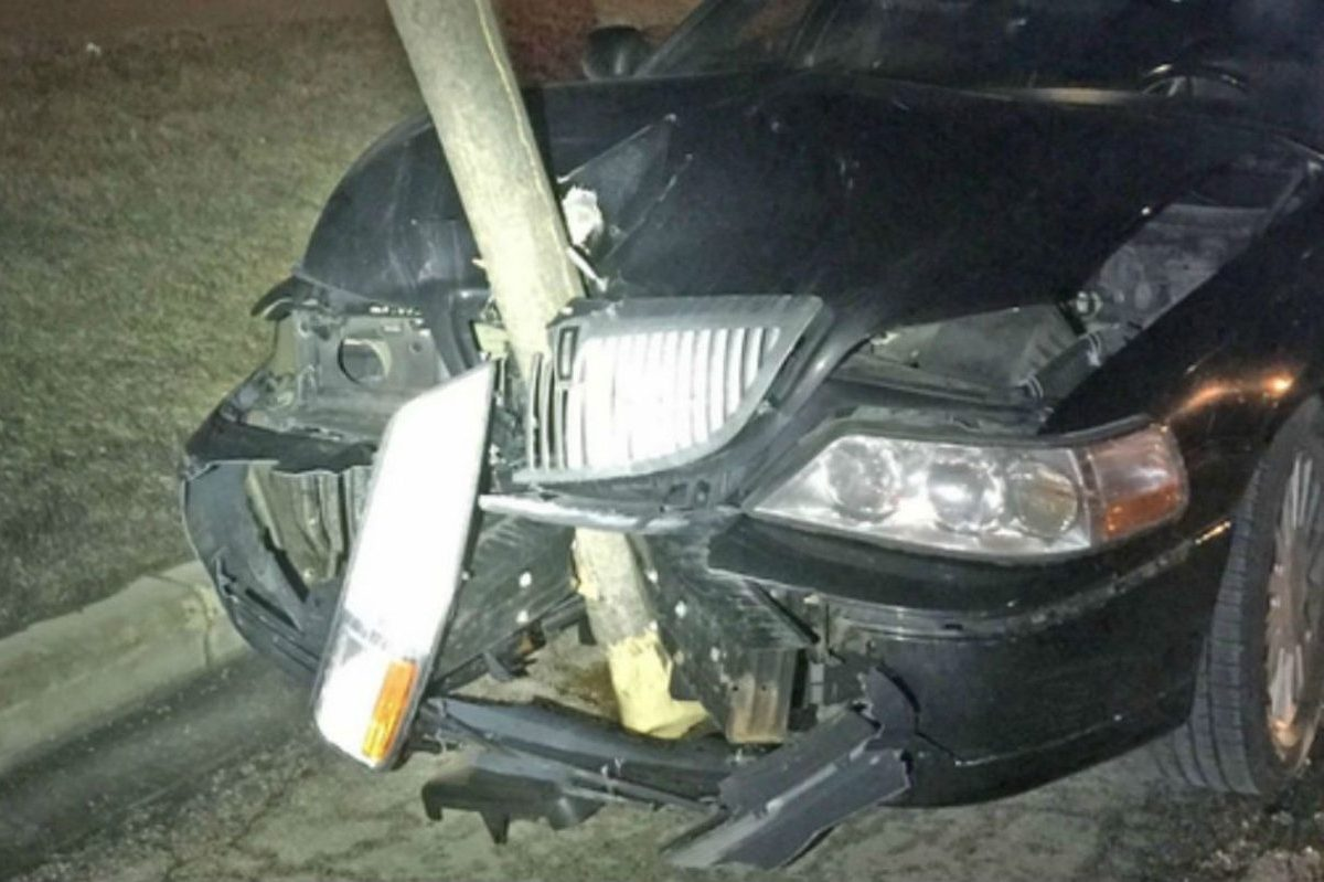 dui accident tree in grille