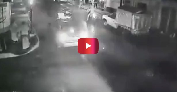 Dummy Pours Hot Grease in Middle of Road, Causing Multiple Motorcycles to Wipe Out