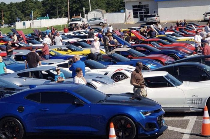 9,000 Unsold Chevrolet Corvettes Crowd Dealer Lots and Kentucky's Still Making Them