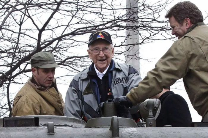 One of Last WWII Tank Gunners Gets Back in Tank That 'Saved His Life'