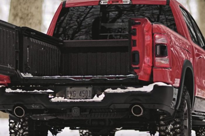 Open Wide! Check out the 2019 Ram 1500 Multifunction Tailgate