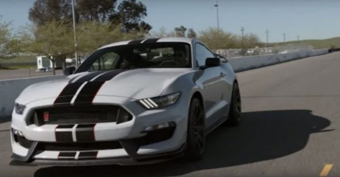 526-HP Shelby Mustang GT350R Is the Ultimate Performance Car