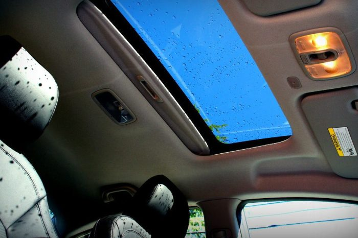 Spontaneously Exploding Sunroofs Is a Bigger Problem Than You Might Think