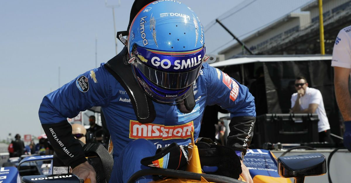 Video Shows Racing Driver Fernando Alonso Crash During Indy 500 Practice Run