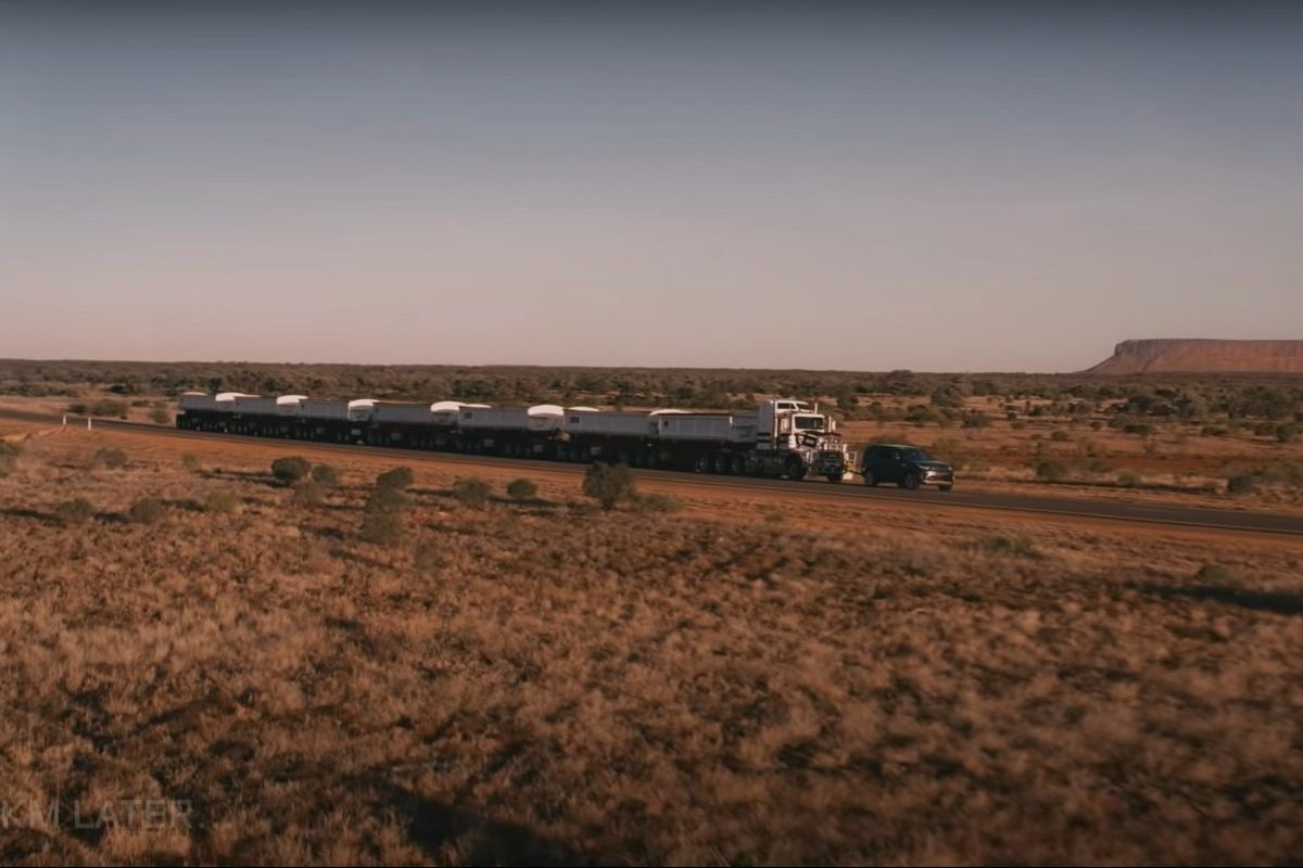 land rover discovery tows 121-ton road train