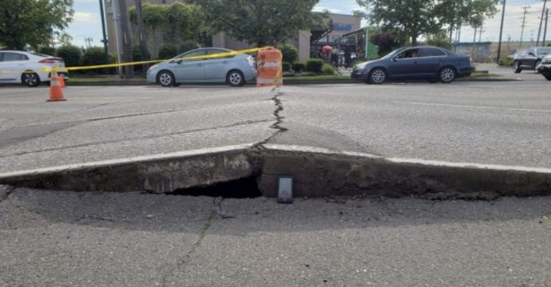 It's So Hot in Seattle, the Road Is Freaking Out
