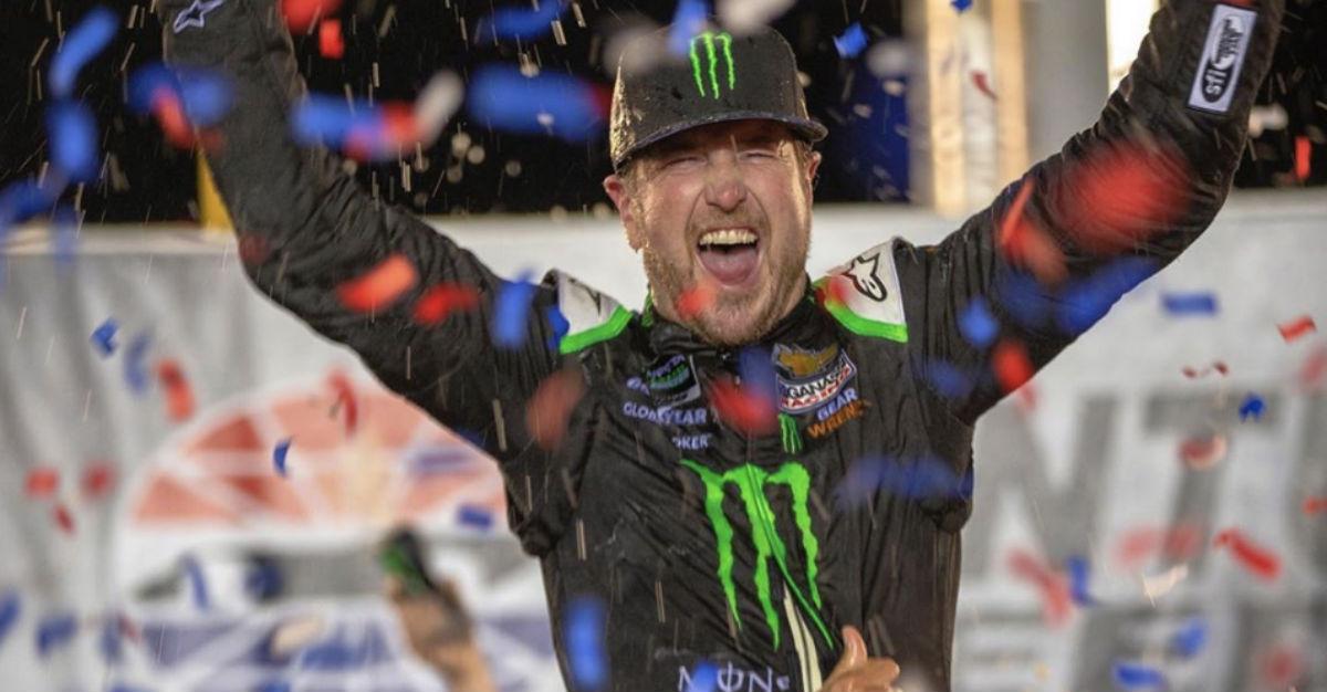 NASCAR Vet Kurt Busch Shows He's Still Got It After Besting Brother Kyle in Kentucky