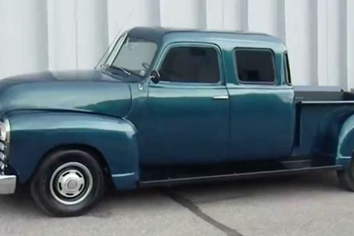 This Double Cab '50 Chevy Pickup Is a Custom-Built Beauty