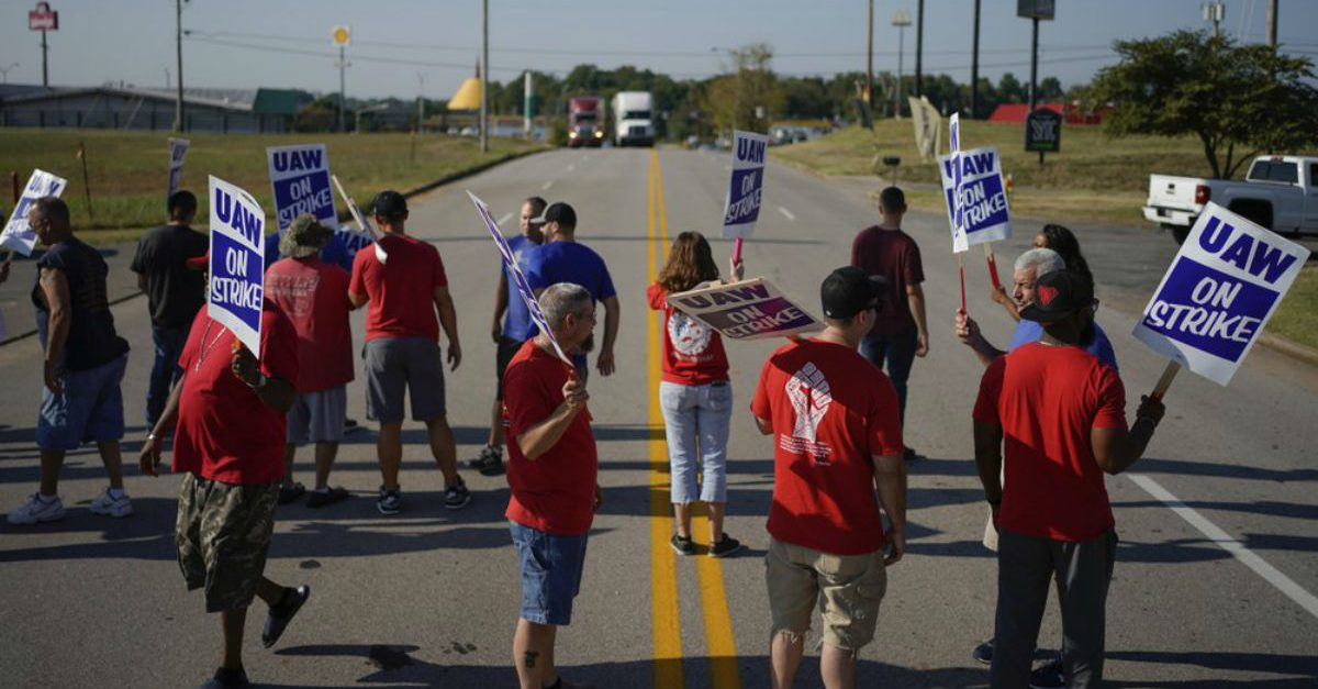 No End in Sight: GM Strike Enters Second Week