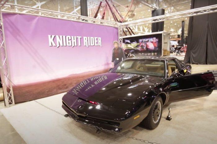 "KITT Replica Car Built by ""Knight Rider"" Fan Is Incredible: Watch Him Break Down the Building Process"