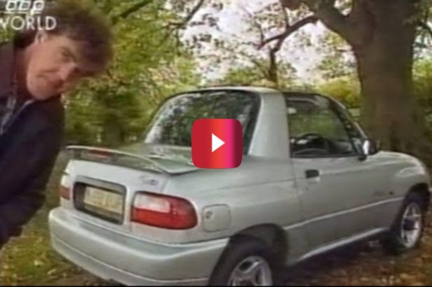 """Jeremy Clarkson Test Drives One of the Worst Cars of the '90s in Hilarious """"Top Gear"""" Moment"""